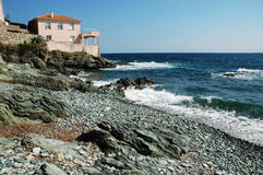 Luxuriöses Landhaus auf dem Strand, Erbalunga, Korsika Stockbilder