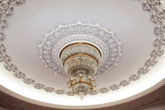 Luxurious crystal chandelier Royalty Free Stock Photos