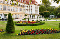 Luxurious hotel garden Royalty Free Stock Photography