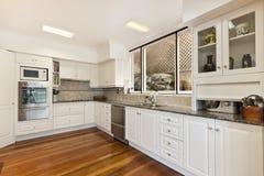 Free Luxurious Kitchen Stock Photo - 49553020