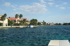 Luxurious lakefront homes with water view Royalty Free Stock Photography