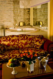 Luxurious Master Bath. Luxurious hotel master bathroom with fine furnishings Stock Photography