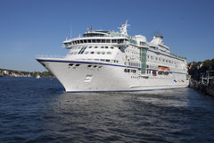 Luxurious white cruise ship Stock Photography