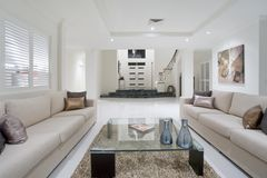 Luxurious white new living room Royalty Free Stock Photos