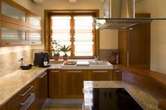 Luxuriöse moderne Küche Stockfoto