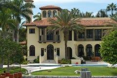 Luxuriöse Villa Lizenzfreies Stockfoto
