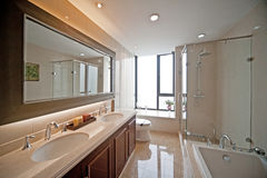 Luxury bathroom with bathtub Royalty Free Stock Photo