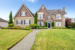 Luxury big house with beautiful curb appeal Royalty Free Stock Photography