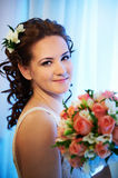 Luxury bride with a bouquet of flowers Royalty Free Stock Images
