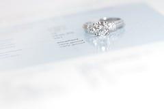 Luxury diamond ring Royalty Free Stock Images