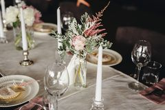 Luxury, elegant wedding reception table arrangement stock images