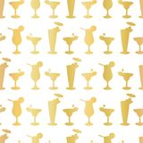 Luxury Gold Foil Frosty Cocktail Glasses Seamless Pattern Background royalty free illustration