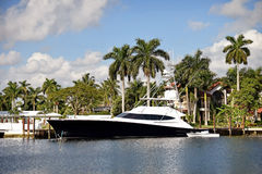 Luxury home and yacht in Florida Stock Photography