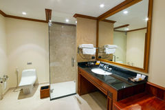 Luxury hotel bathroom Stock Photography