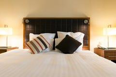 Luxury hotel bedroom Royalty Free Stock Photography