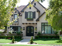 Luxury house and frontyard Stock Photography