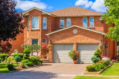 Luxury house  in the suburbs of Toronto Stock Photos