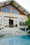 Luxury house with swimming pool Royalty Free Stock Photography
