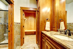 Luxury mountain home bathroom. Royalty Free Stock Images