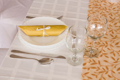 Luxury place setting, napkin on plate Stock Photography