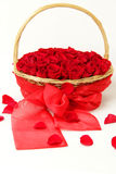 Luxury red roses in the basket Royalty Free Stock Photos