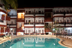 Luxury resort hotel at night Royalty Free Stock Photos