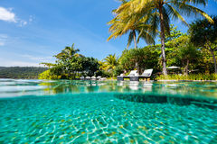 Luxury resort swimming pool Royalty Free Stock Photos