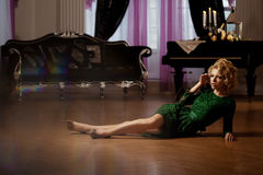 Luxury rich woman like Marilyn Monroe Royalty Free Stock Photography
