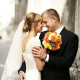 Luxury romantic happy bride and groom celebrating marriage on th Stock Photos