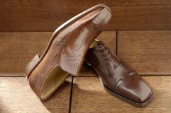 Luxury shoes 05. Two per brown luxury shoes Royalty Free Stock Images