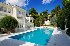 Free Luxury Villa With Swimming Pool Royalty Free Stock Photo - 7436265