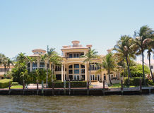Luxury waterfront home Royalty Free Stock Photos