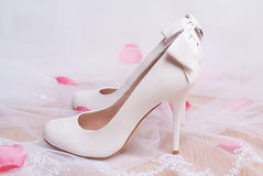 Luxury White Wedding Shoes With Bows. Royalty Free Stock Photo