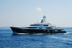 Luxury yacht cruising in the sea Royalty Free Stock Photos