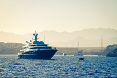 Luxury Yacht, sunset Royalty Free Stock Photos