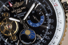 Luxus-Breitlings-Chronograph - Zeit Lizenzfreies Stockfoto