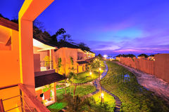 Luxus-Resort bei Sonnenuntergang in Thailand-Paradies Stockfotos