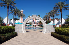 Luxus-Resort-Eingang stockbilder