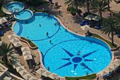 Luxus-Resort-Pool Lizenzfreies Stockbild