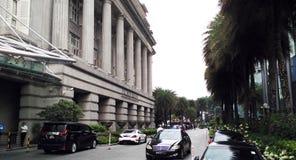 Luxusautos auf der Straße Stockfotos
