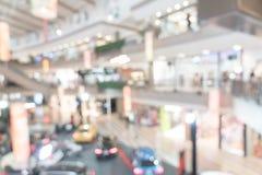 Luxuseinzelhandelsgeschäft der abstrakten Unschärfe im Einkaufszentrum Stockfotos