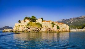 Luxusferieninselhotels auf Mittelmeer Stockbilder