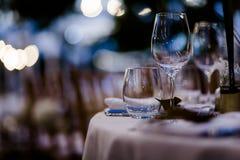 Luxusgedeck für Hochzeiten und gesellschaftliche Ereignisse stockbilder