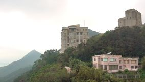 Luxushäuser auf Victoria Peak Hong Kong stock video