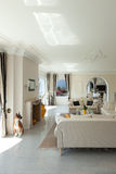 Luxushaus, Wohnzimmer Stockbild
