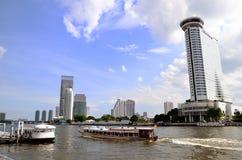 Luxushotel auf Fluss, Bangkok stockfoto