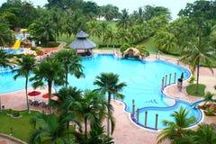 Luxushotel-Swimmingpool Lizenzfreies Stockfoto