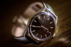 Luxusmode-Uhr - klassische Uhr Lizenzfreie Stockfotos