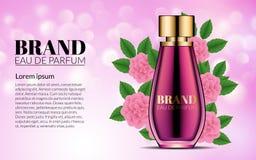 Luxusparfüm-Glasflaschen-Anzeigen-Schablone Rosa Blumen Kosmetik-Produkt-Werbungs-Unschärfe und Bokeh-Hintergrund modern Lizenzfreies Stockfoto