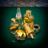 Luxusparfümflaschen Stockbild